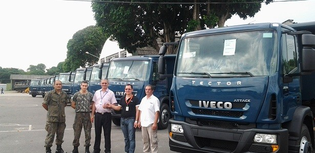 Iveco entrega caminhões