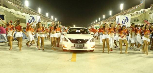 Carros da Nissan participam com o Salgueiro do Ensaio Geral do Carnaval 2014 no Sambódromo do Rio