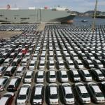 Veículos em terminal portuário do Rio