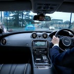 jlr_urbanwindscreen_followmeghostcar-and-transparent-pillars_01