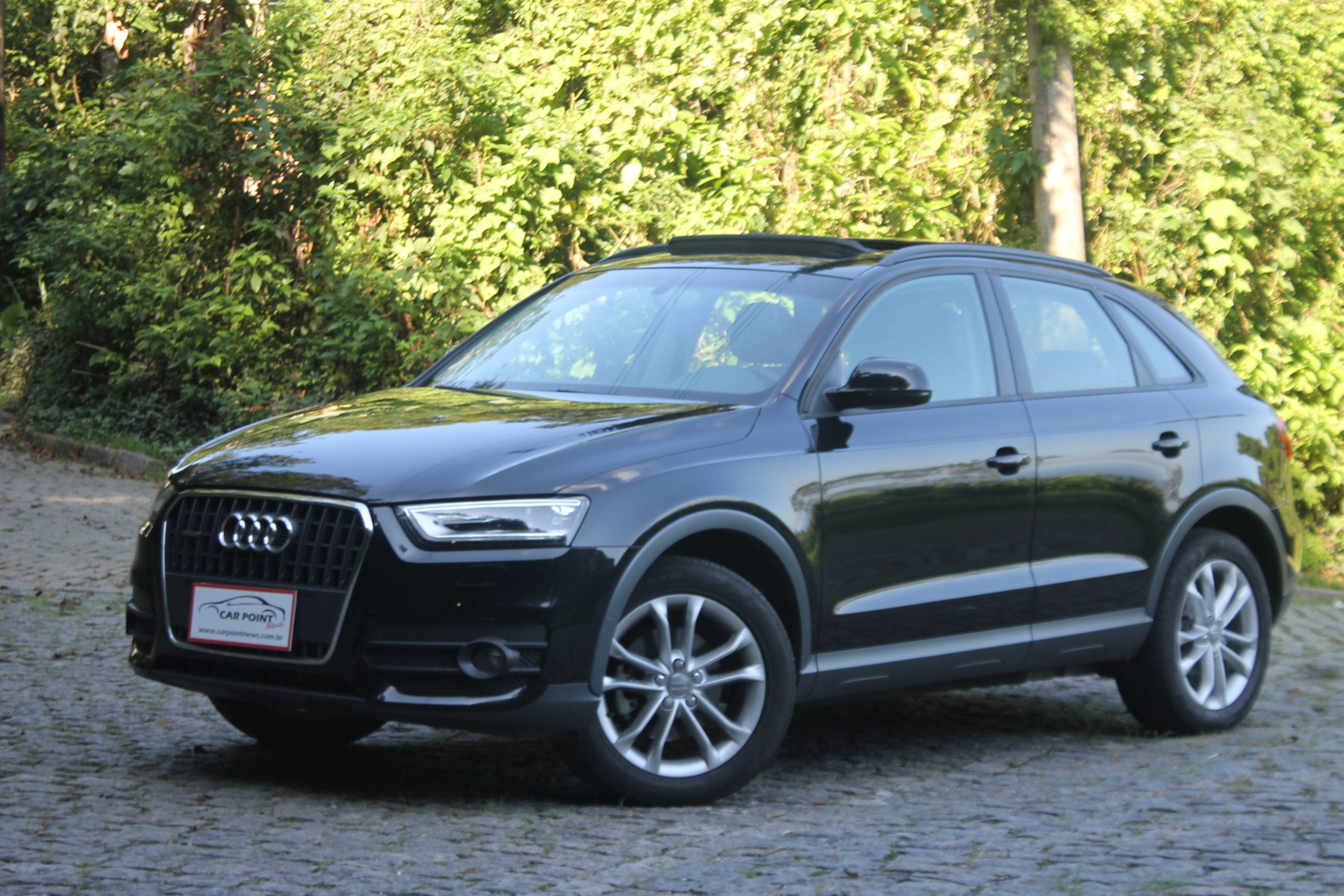 audi q3 2 0 tfsi ambiente s tronic quattro 2015 revista. Black Bedroom Furniture Sets. Home Design Ideas