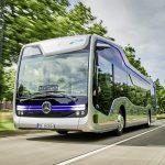 Mercedes-Benz Future Bus mit CityPilot; teilautomatisiert fahrender Stadtbus mit Ampelerkennung; Hindernis- und Fußgängererkennung; 10 Kameras; automatisierte Haltestellenfahrten; Radarsysteme für Nah- und Fernbereich Basisfahrzeug: Mercedes-Benz Citaro; OM 936 mit 220 kW/299 PS; 7,7 L Hubraum, Länge/Breite/Höhe: 12.135/2.550/3.120mm ;  Mercedes-Benz Future Bus with CityPilot; semi-automated city bus with traffic light recognition; recognition of obstacles and pedestrians; automated bus stop approaches basic vehicle: Mercedes-Benz Citaro; OM 936 rated at 220 kW/299 hp; displacement 7.7 l; length/width/height: 12135/2550/3120 mm;